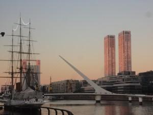 Puerto Madero, amb el puente de la Mujer de Calatrava